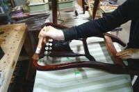renowacja mahoniowego krzesełka