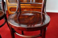 krzesła z giętego drewna