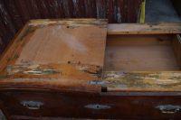 czereśniowa komoda przed renowacją