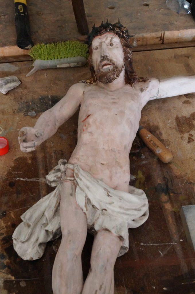 enowacja barokowego krucyfiksu, renowacja krzyża